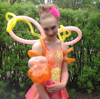https://caswellartsfestival.files.wordpress.com/2013/05/bendytwisty-balloons.jpg?w=325&h=324
